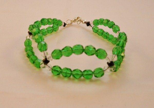 Beautiful Emerald Green Czech Glass Bead Bracelet £3.50