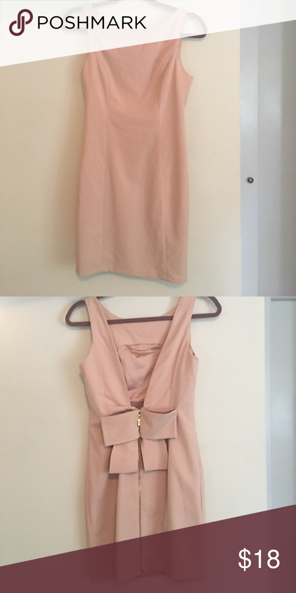 Blush pink dress with adorable bow zipper perfect condition 97% Polyester 3% spandex Forever 21 Dresses Mini
