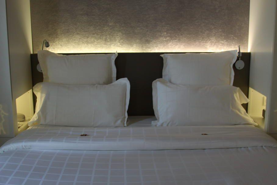 d coration chambre t te de lit chambre pinterest tete de en t te et d coration chambre. Black Bedroom Furniture Sets. Home Design Ideas