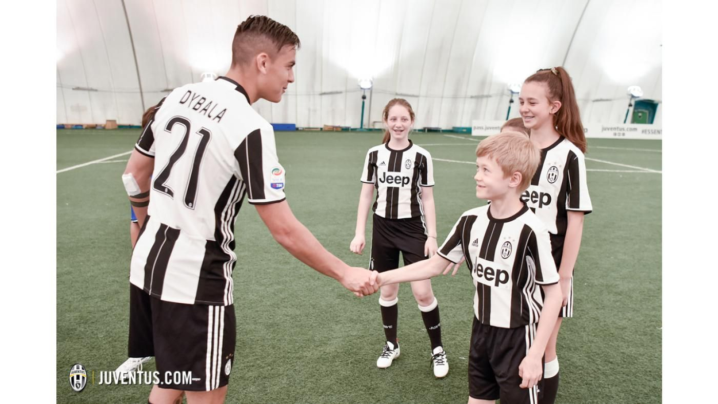 A Group Of Young Stars From The Juventus Academy In The Usa Take On A Series Of Challenges Under The Leadership Of Team Captains Juan Cuadrado And Paulo Dybala