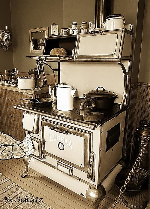 Antique Stove By Kelly Schutz Antique Stove Wood Stove Cooking