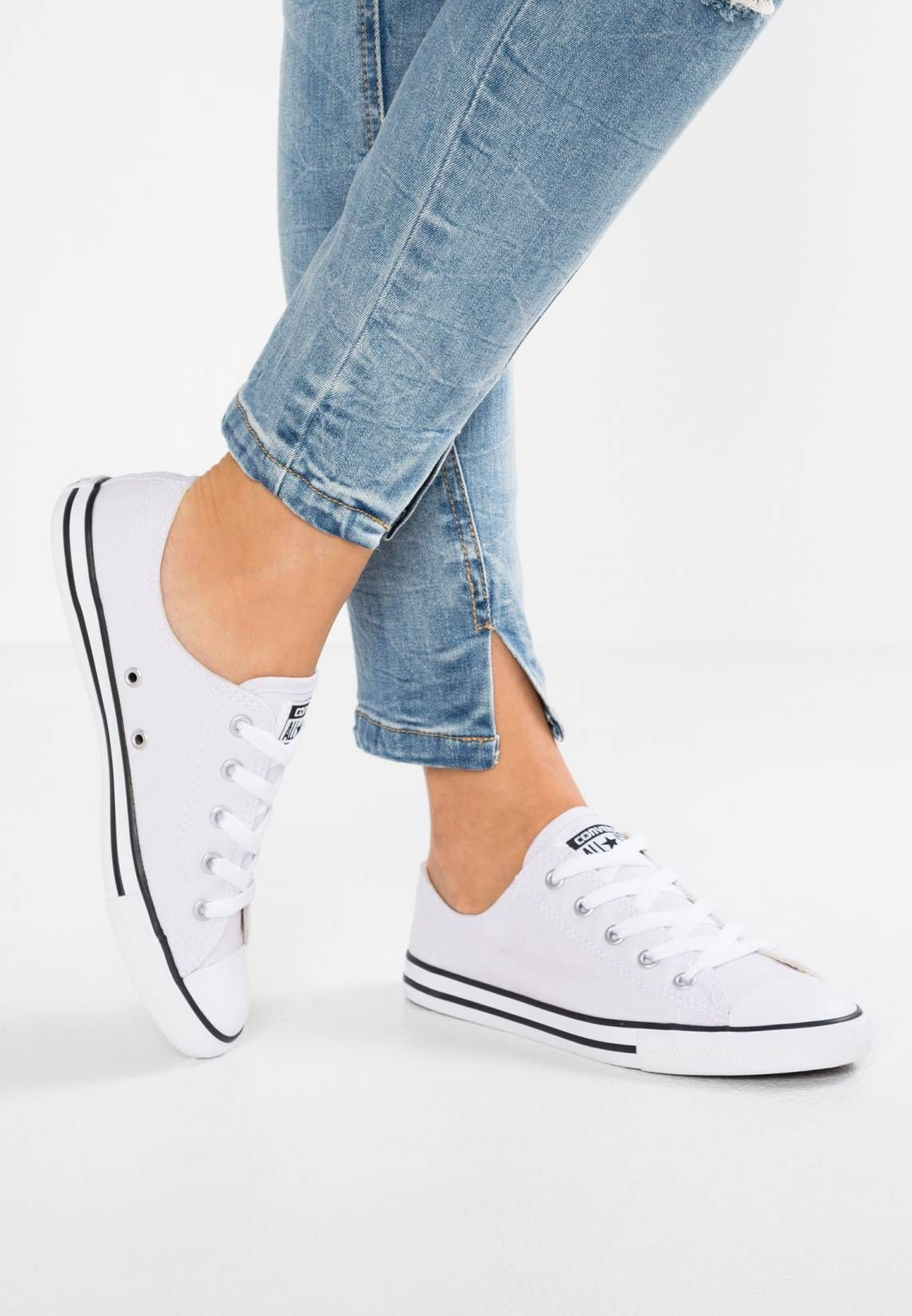 26f58fa9bbd1 Converse. CHUCK TAYLOR ALL STAR DAINTY - Zapatillas - barely grape white  black
