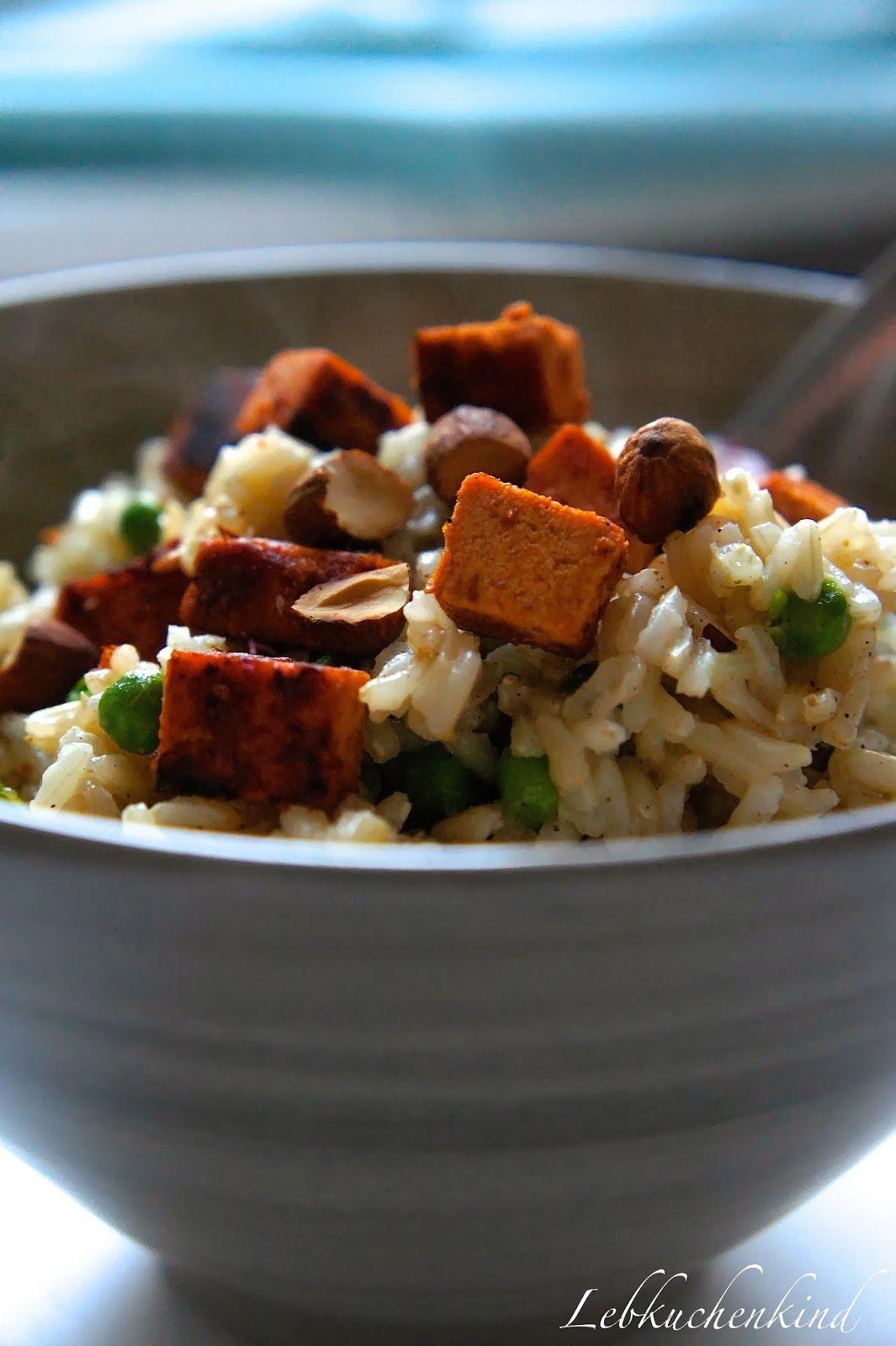 Reispfanne mit Erbsen und Tofu