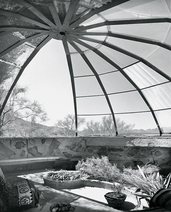viele der amerikanischen stararchitekten des 20 jahrhunderts sind nicht nur ihrer bauten wegen. Black Bedroom Furniture Sets. Home Design Ideas