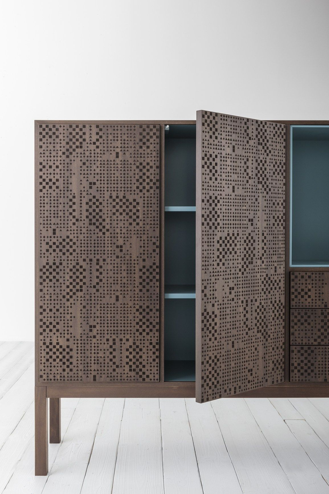 Hi-Deck: wood surface engraved with a geometric texture New Capo d ...