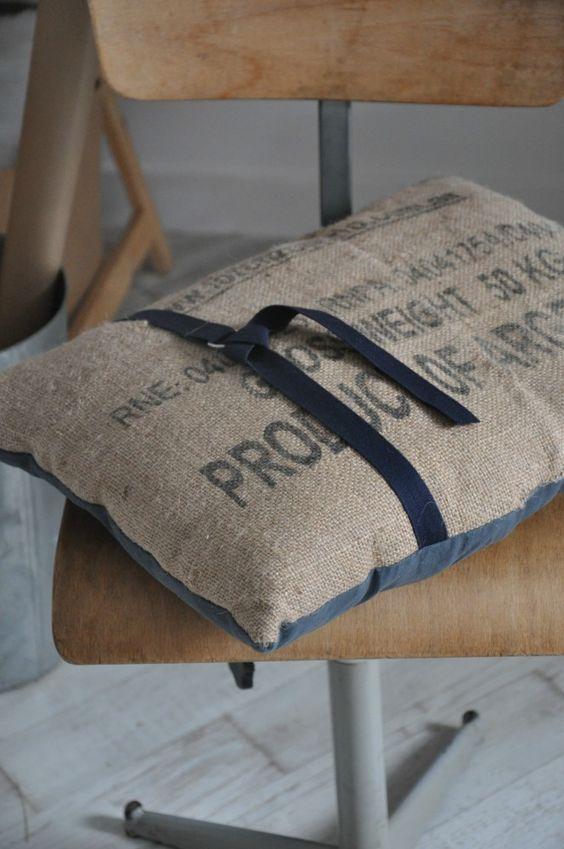 l u2019article sur mon sac de voyage en toile de jute semble vous avoir beaucoup plu  certaines m u2019ont