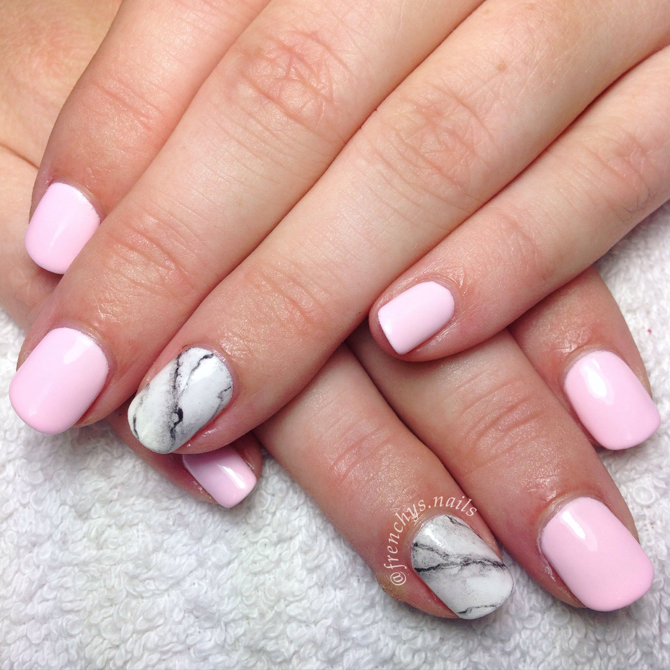 Baby Pink Marble Feature Nail Pretty Simple Gelpolish Gellyfit Baby Pink Nails Pretty Nails Glitter Pretty Nails Classy