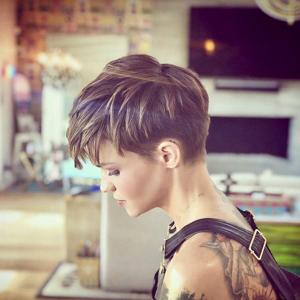 Coupe cheveux court lesbienne