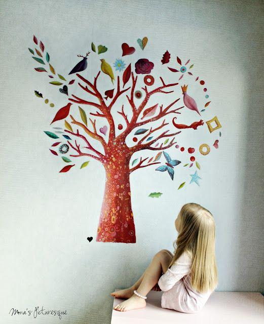 Wall stickers: the poem tree. Che bello addormentarsi la sera e svegliarsi ogni mattino ai piedi di questo maestoso albero popolato di uccelli, scoiattoli, farfalle e foglie cadenti. Trovate questo e molti altri splendidi stickers adesivi murali su http://www.giochiecologici.it/c/67/adesivi-murali