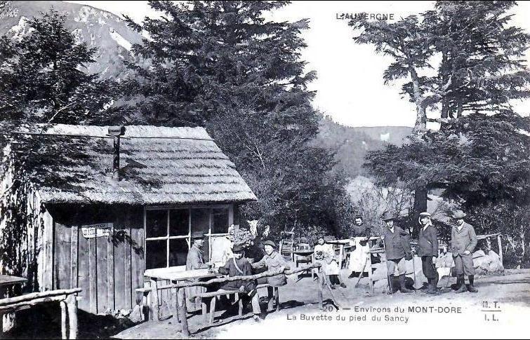 Le Mont Dore La Buvette Du Pied Du Puy De Sancy Beau Plan Anime