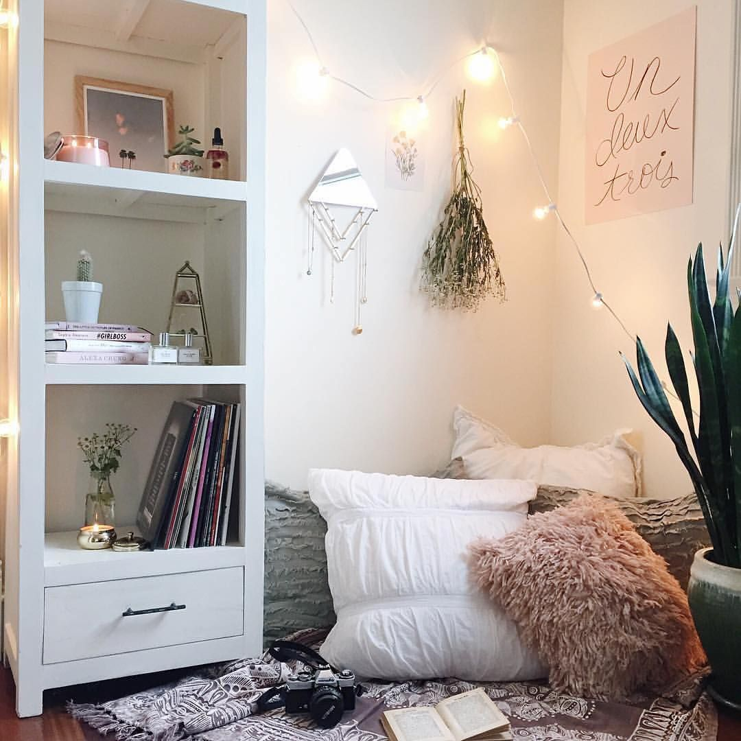 Cozy Apartment Bedroom Decorating Ideas: Pin By Lilly Kay On Habitat