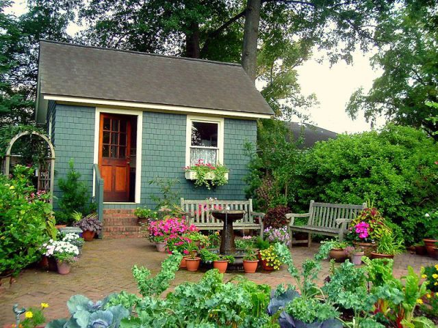 Interior, Furniture and Gardens design...a small painted garden shed ...