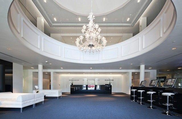 Net-a-porter's Classically Refined New York Headquarters