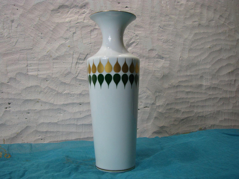 Vintage White Vase – gold green op art décor – German PMR Bavaria Jaeger & Co porcelain – 1960s Mid Century Design – modernist trumpet shape von everglaze auf Etsy