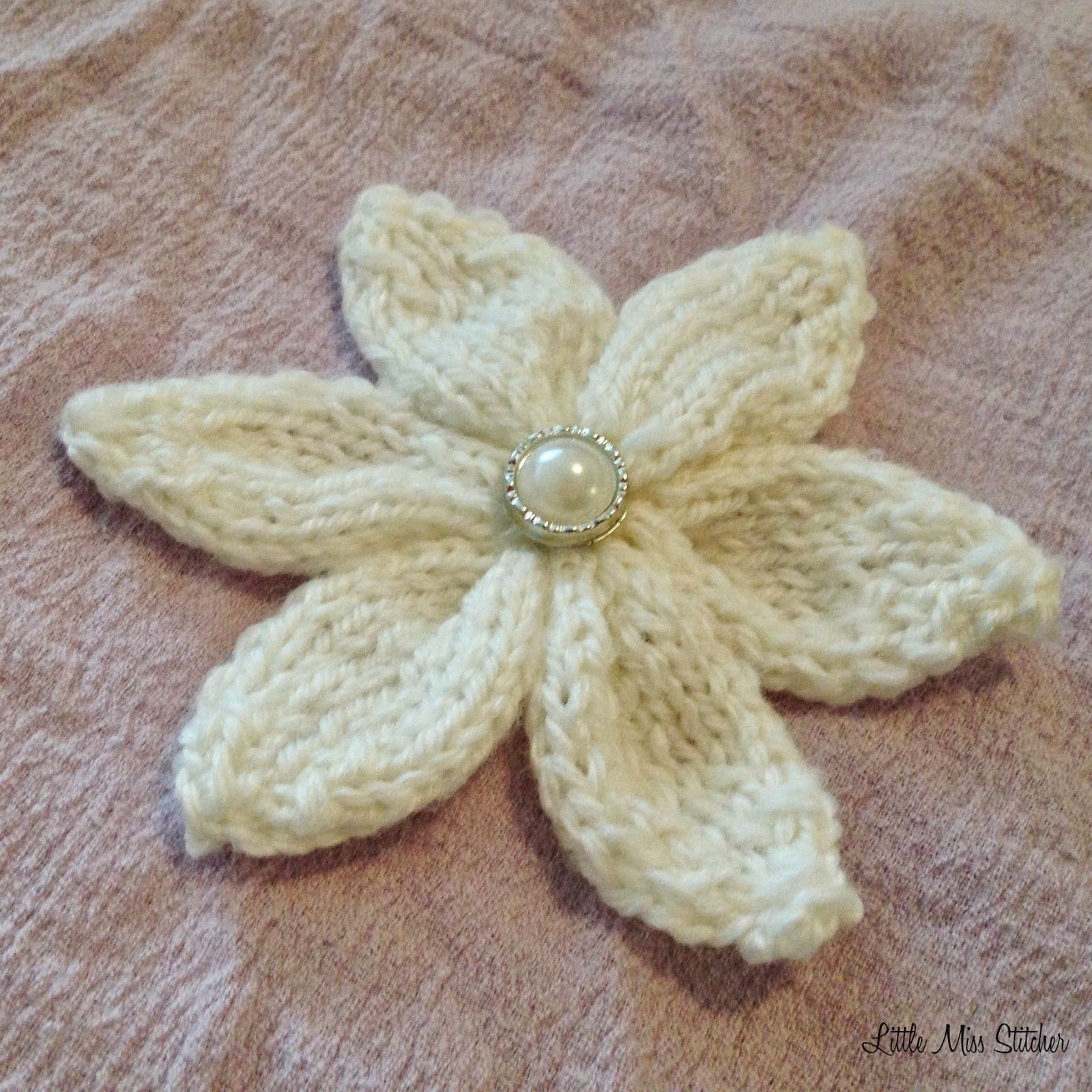 Not too long ago i shared my crochet flower patterns now for little miss stitcher 6 petal knit flower free pattern bankloansurffo Image collections