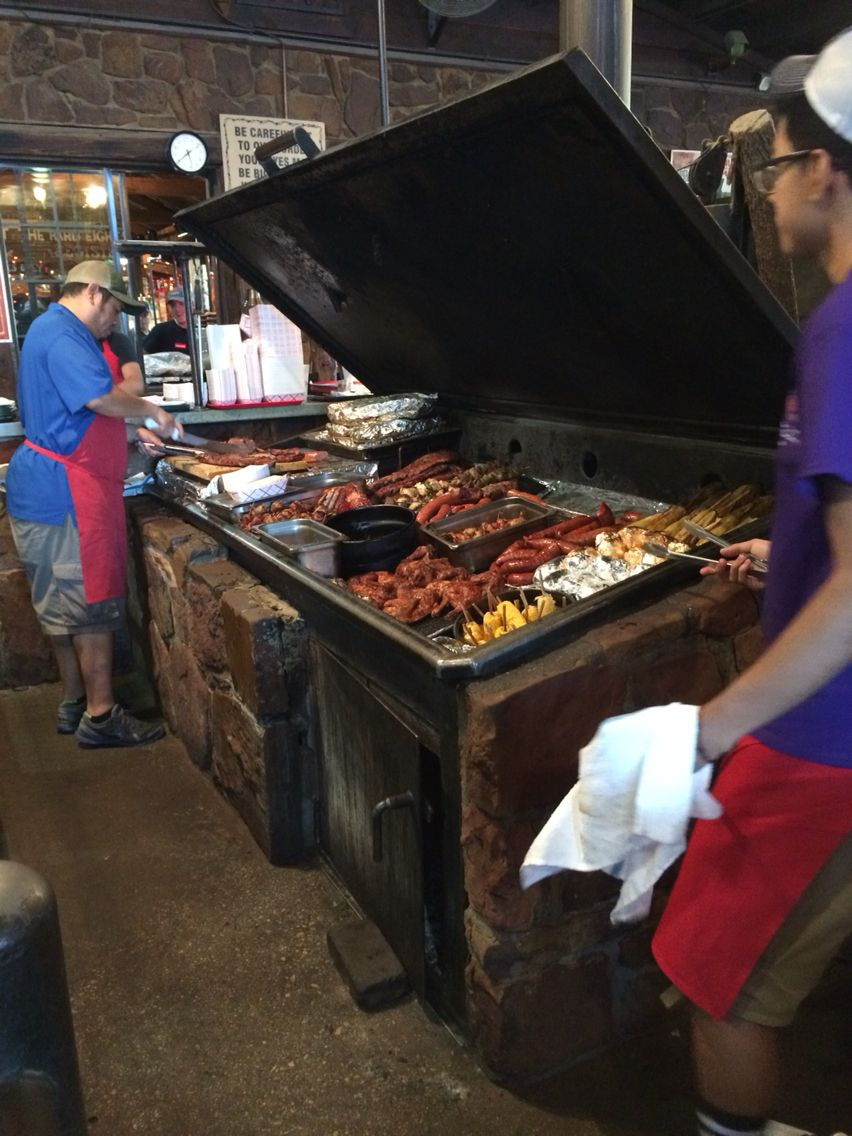 Hard 8 Bbq Stephenville Texas Sunni Was Pretty Upset When She Found Out We Flew To Hard Eight She Said She Is Barbecue Restaurant Bbq Restaurant Barbecue