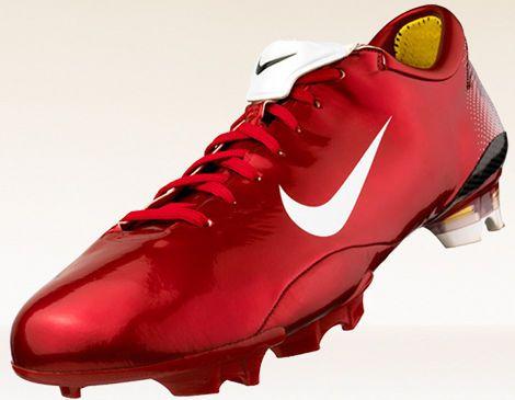 00e17ba04ba3e Nike Mercurial Vapor I Rojo excitante, desarrollado para Cristiano Ronaldo  en la Euro 2000