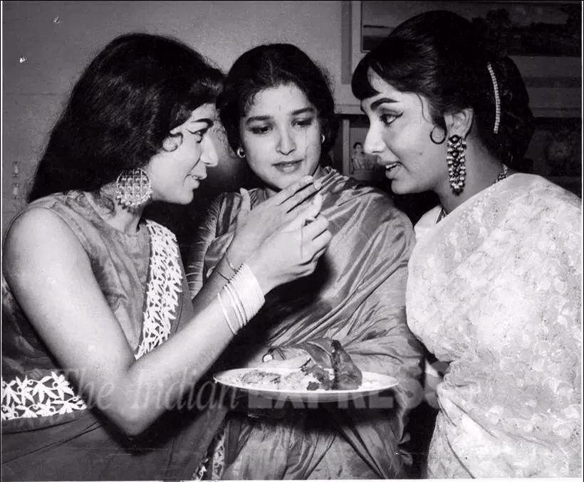 Nanda , Shoba Khote and Sadhna | Bollywood pictures, Bollywood ...