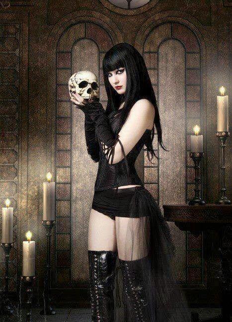 Naked Gothics 108