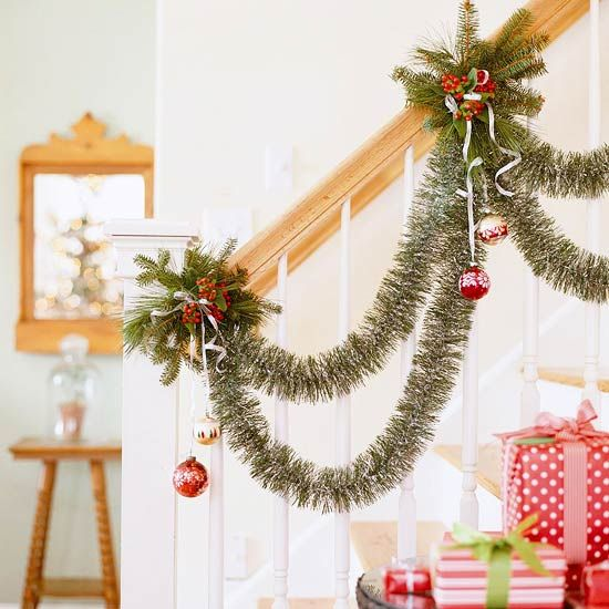 43 Festive Diy Christmas Garland Ideas Christmas Stairs