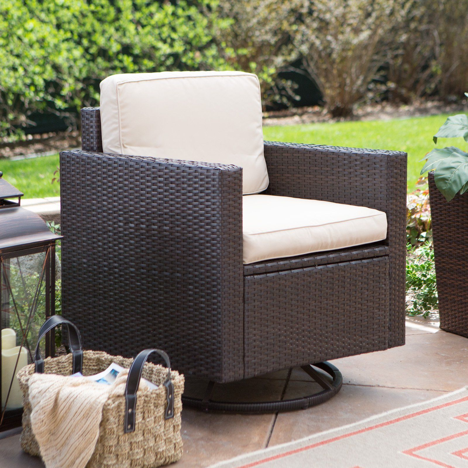 Coral Coast Berea Wicker Outdoor Wicker Swivel Chair With Cushions    CO7125BR SA