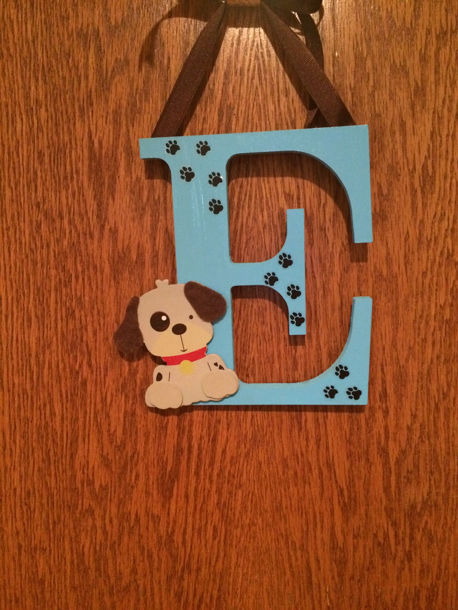 Puppy dog initial for door