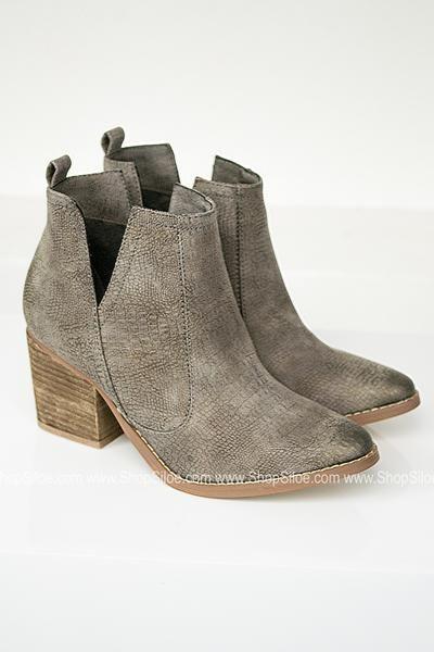 519875256a336 Suede Booties, Texas, Chelsea Boots, Block Heels, Slip On, Booty,
