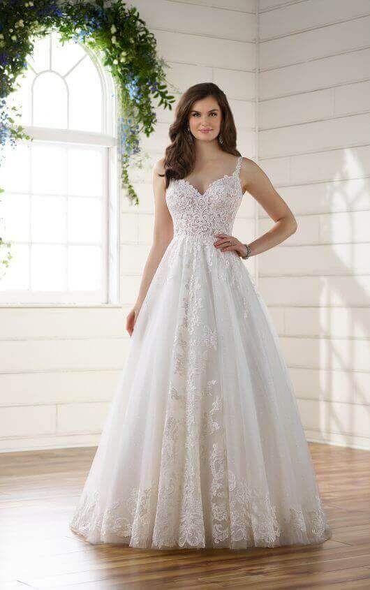 Romantic Boho Wedding Dress With Lace Train