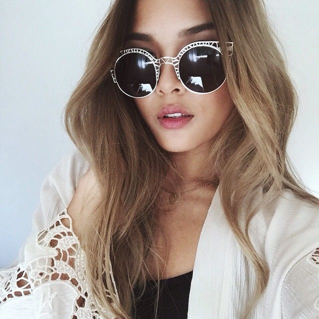 Quay Fleur Round Cat-Eye Sunglasses - Urban Outfitters