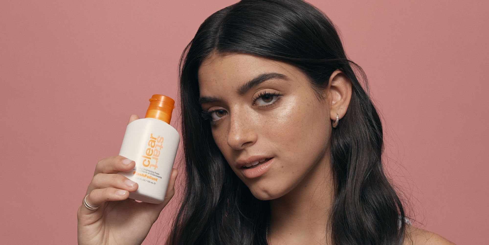 S.O.S. acne, brufoli e punti neri? Ecco come fare pace con le imperfezioni della tua pelle