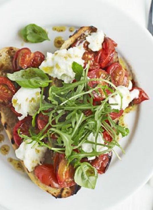 Low FODMAP Recipe and Gluten Free Recipe - Roasted tomato, mozzarella & rocket  http://www.ibssano.com/low_fodmap_recipe_tomato_mozzarella_rocket.html