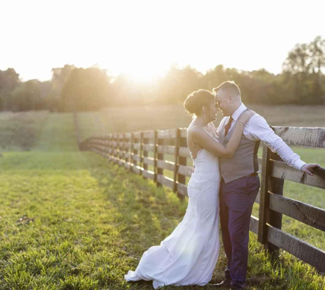 Real Bloomington, Indiana barn wedding - WeddingDay ...