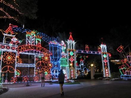 Each Holiday Season Residents Of These Seven Communities Come Together To Create The Most Spectacular Florida Christmas Christmas Lights Christmas Light Show