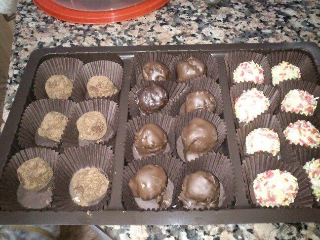 Bombones de nata y chocolate blanco