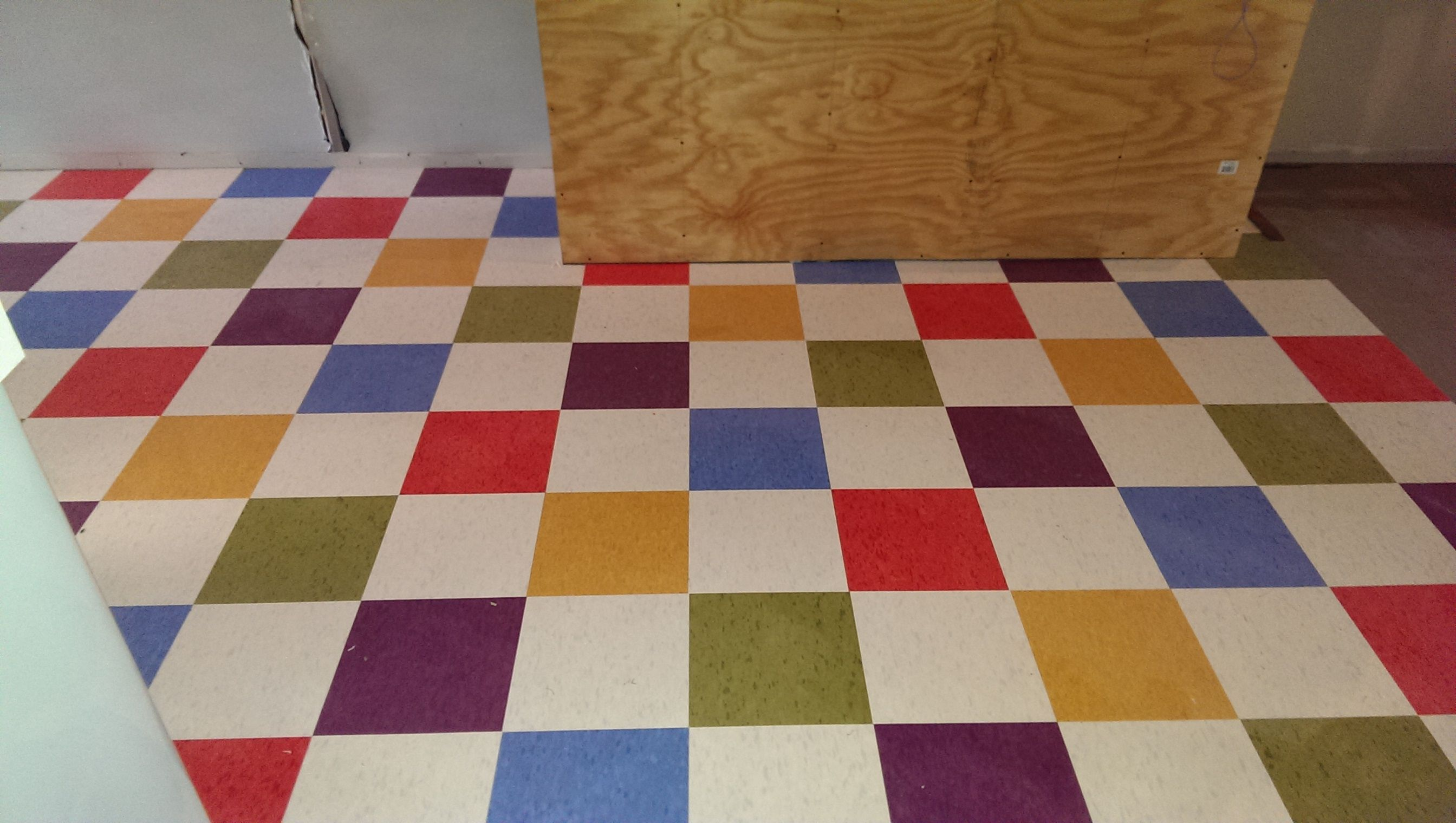Marvelous vct tile for home flooring ideas glamorous vct tile marvelous vct tile for home flooring ideas glamorous vct tile pattern with rattan chair and dailygadgetfo Image collections
