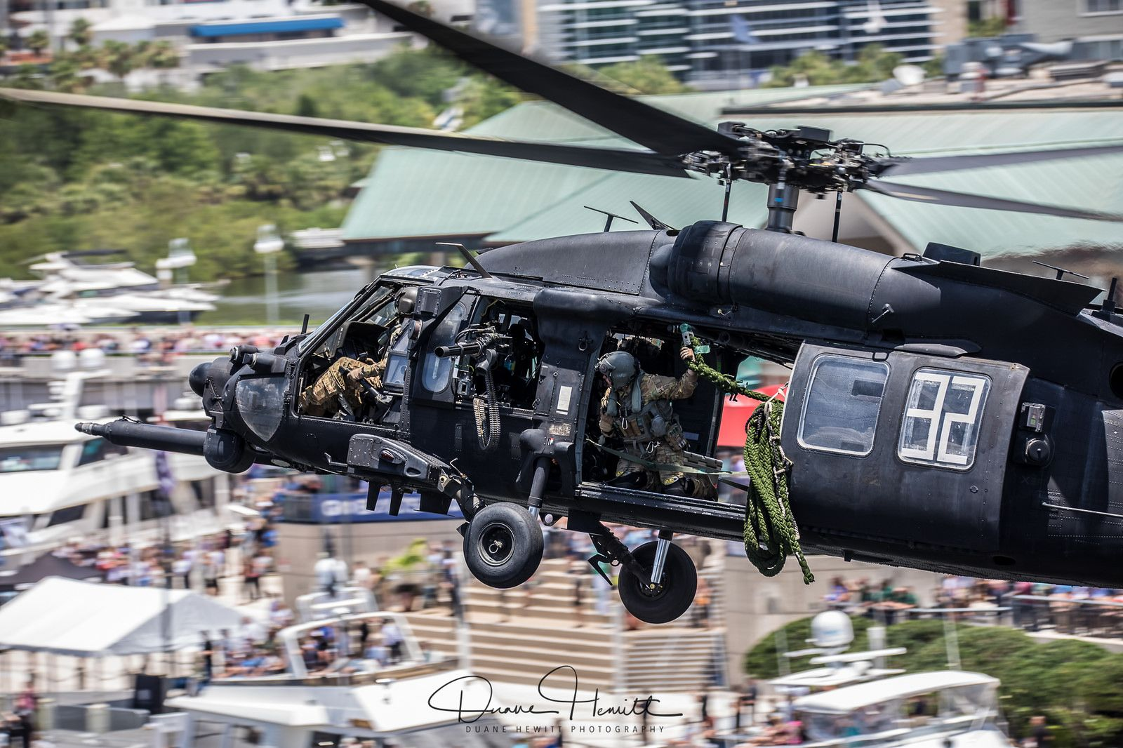 Sofic 2018 Military Helicopter Army Aviators Special Forces Gear