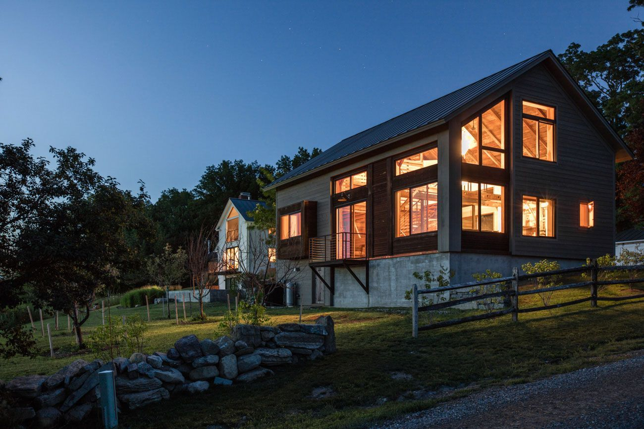 An innovative renovation - carriage barn turned guest house in
