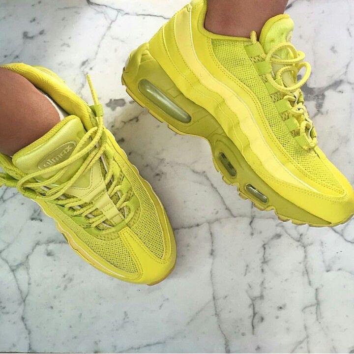 nike roshe run femme rose fluo - Nike Air Max 95 iD ? Neon Alternate ? par Sneakers Addict? | Nike ...