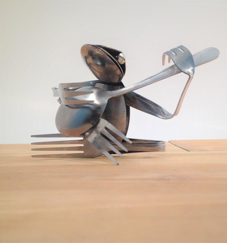 Soap Dish-Banjo Figurine-Folk Music-Frog Figurine-Banjo Art-Bluegrass Instrument-Musician Gifts-Soap Dish Metal-Folk Art Figurines-Music Art