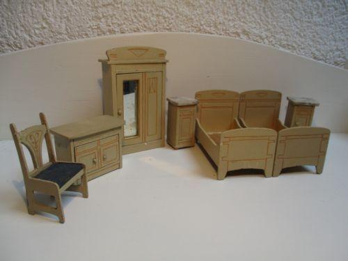 Antike Schlafzimmer ~ Alte kleine puppenhausmoebel von moritz gottschalk schlafzimmer