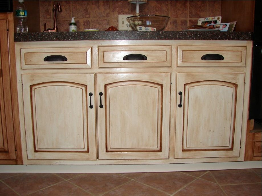 How To Stain Kitchen Cabinets Without Sanding | Eksterior