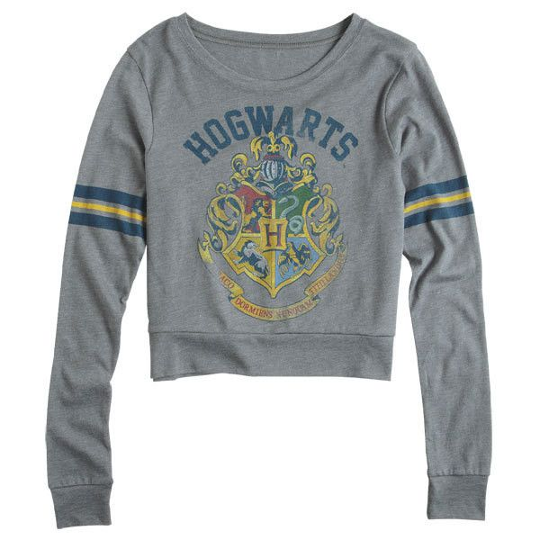 Harry Potter Hogwarts Long-Sleeve Tee (510 MXN) ❤ liked on Polyvore featuring tops, t-shirts, shirts, harry potter, sweaters, graphic tees, longsleeve tee, longsleeve t shirts, long sleeve t shirts and graphic design t shirts