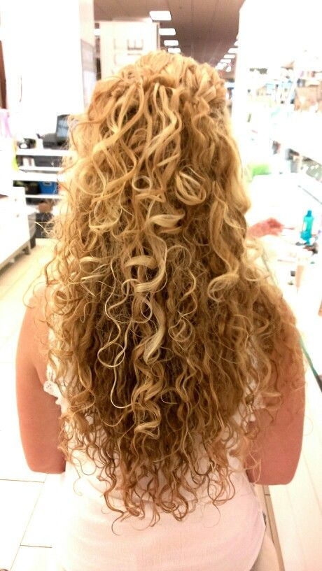 Hairstyles For Curly Hair For Wedding : Half up hairstyle for curly hair this style was done on naturally