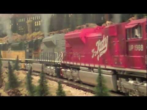 ▶ MTH TRAINS: SD-70's AT IT AGAIN *(W / HEAVY SMOKE) - YouTube
