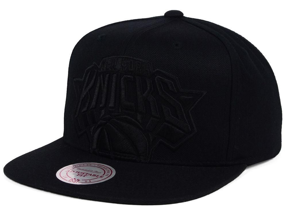 super popular 5362d 327b4 Mitchell   Ness NBA New York Knicks Black Tonal Cropped XL Logo Snapback  Adjustable Hat