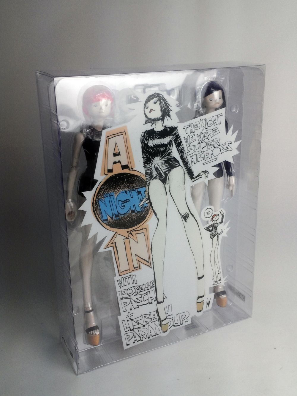 A Quiet Night In With Isobelle Pascha Lizbeth Paramour 3aa Exclusive 2 Pack Is Shipping Out Soon Threea Ashley Art Toys Design Designer Toys Vinyl Art Toy