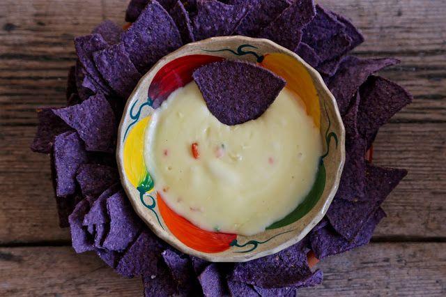 MsMarmiteLover: Queso Dip 'n Chip (Mexican fondue) recipe