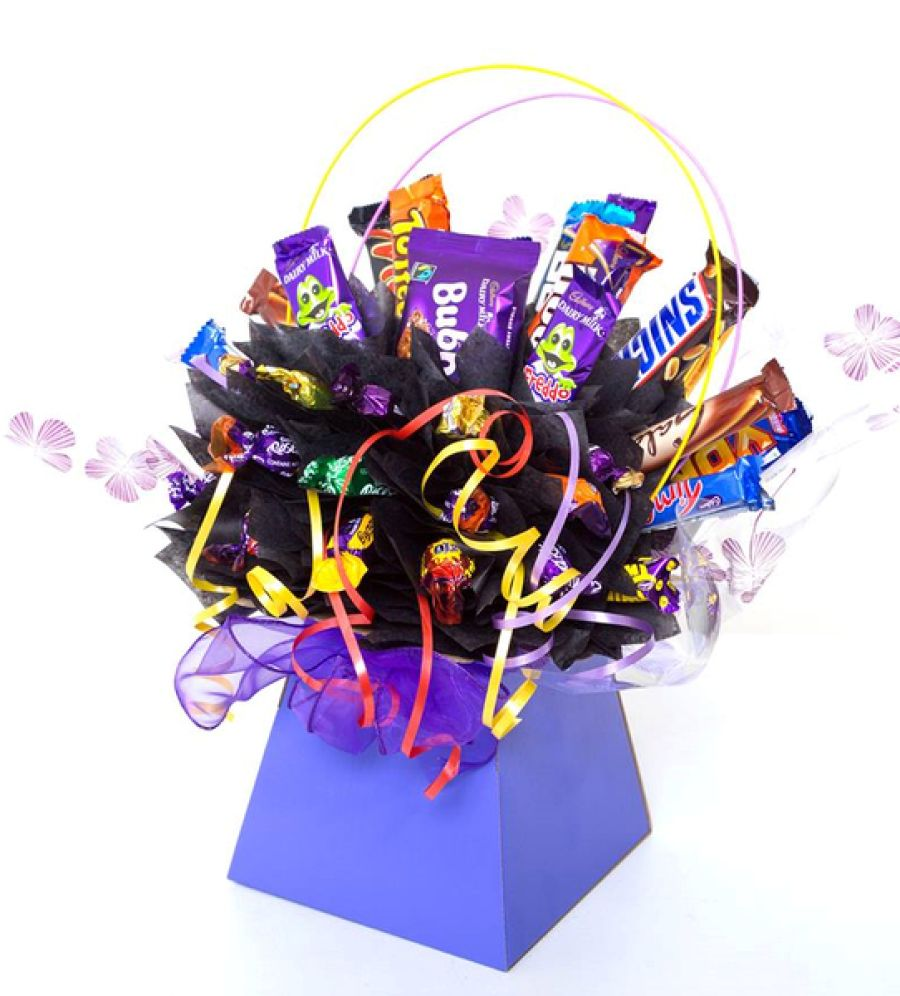 We make ourselves unique bouquets of chocolates with our own hands as a gift