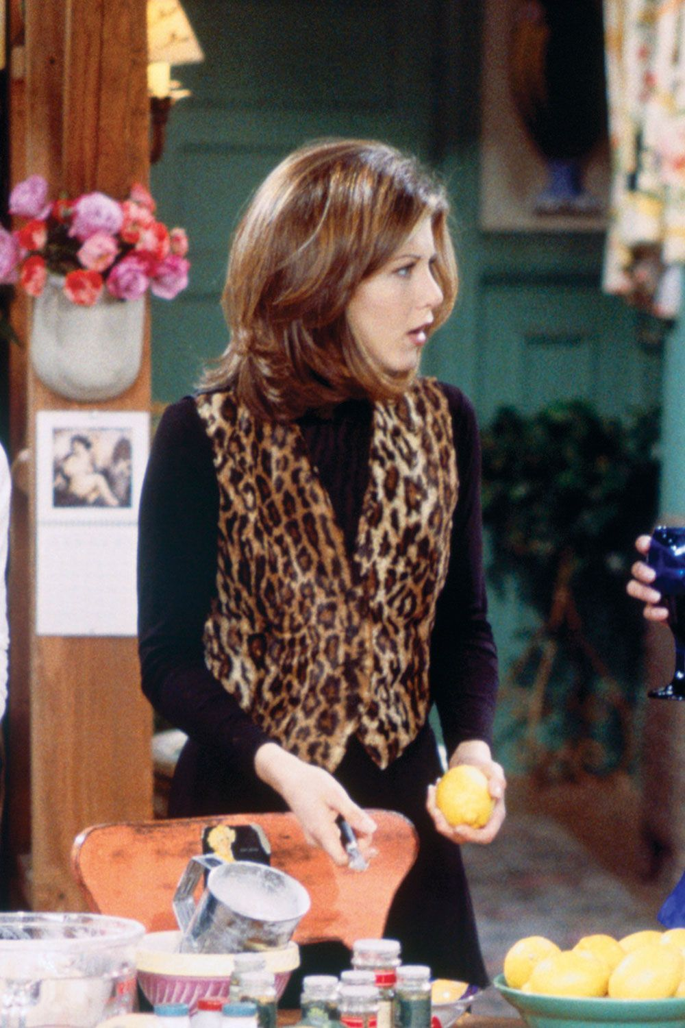 34 Rachel Green Fashion Moments You Forgot You Were Obsessed With on Friends #rachelgreenoutfits