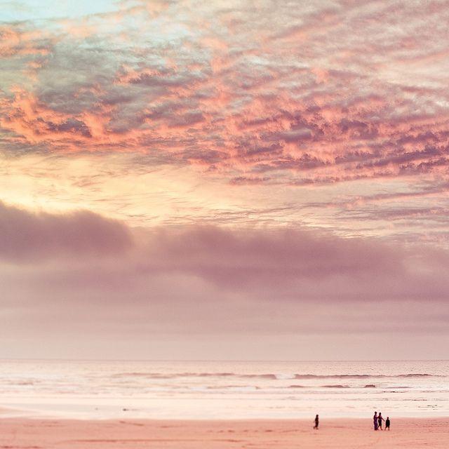 Vagabonding Blog Vinjabond Landscape Photography Ocean Sunset Pink Ocean
